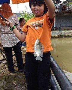 wisata keluarga bogor memancing